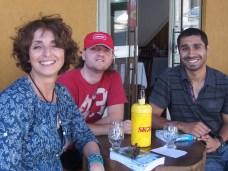 Una birra a Foz do Iguaçú con Matias Breuza, argentino di origini piemontesi, e Mark Bekiet, inglese di origini egiziane.