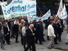Manifestazione di bancari per le vie del centro.