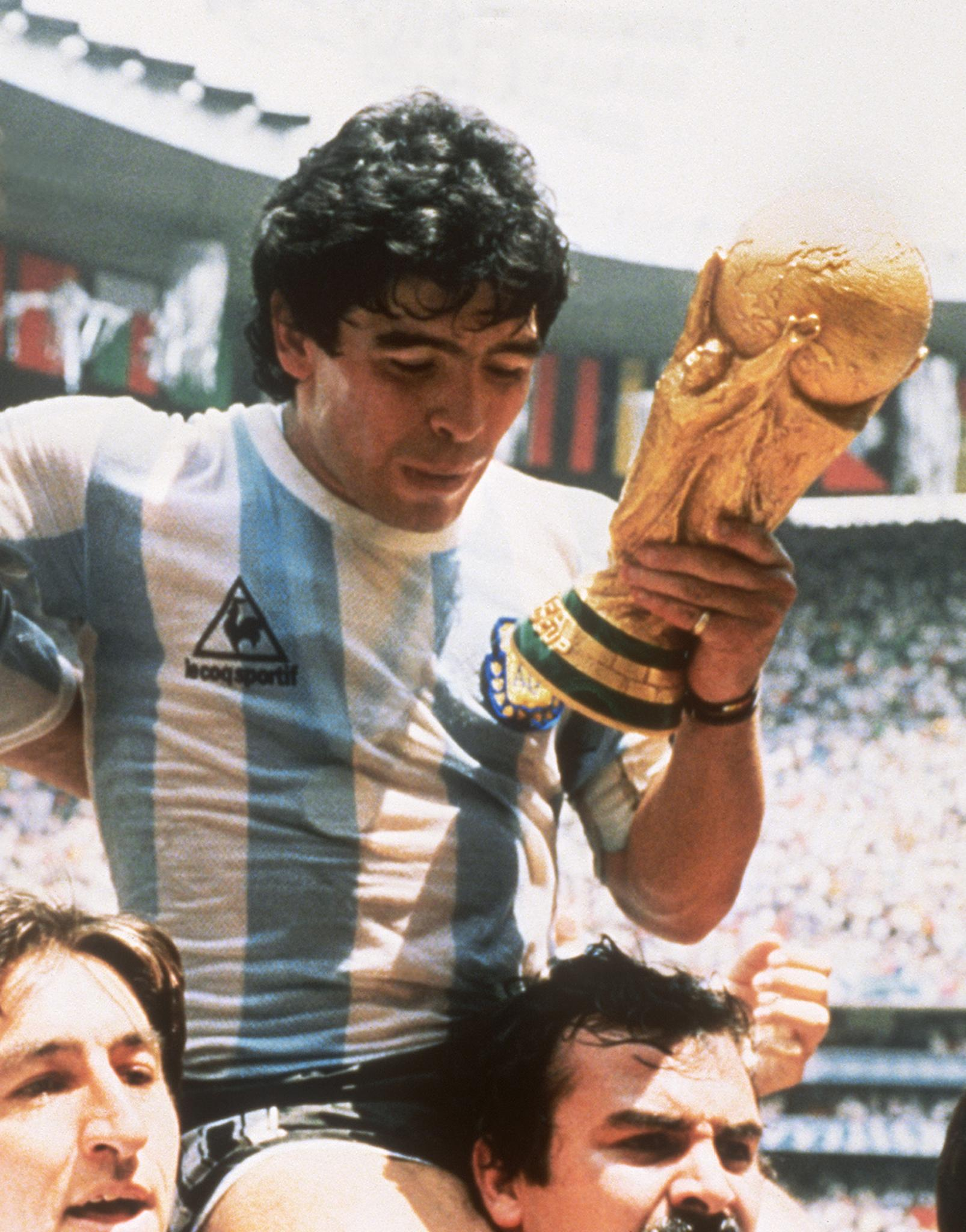 WORLD CUP-1986-ARG-MARADONA-FIFA CUP
