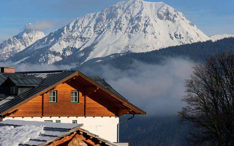 Almdorf Reiteralm liegt hoch in den Bergen
