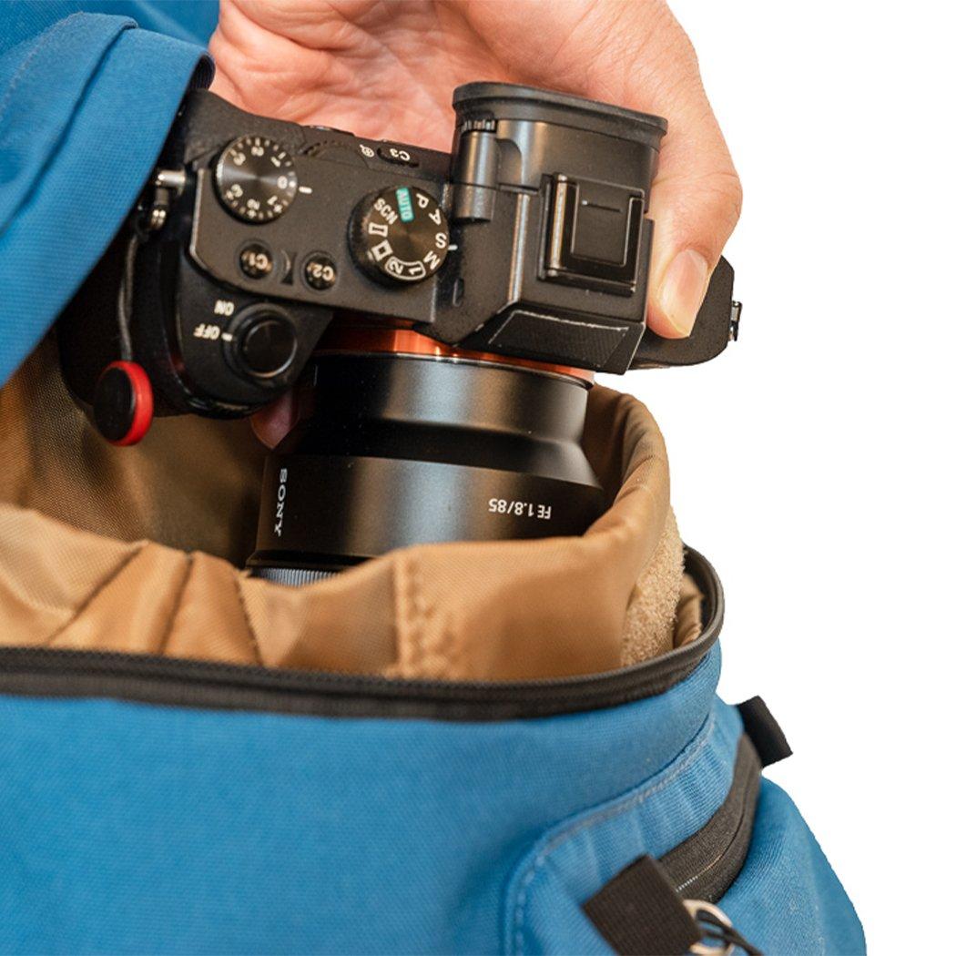 fotorucksack-vergleich-sam-azurblau-kamera_1080x