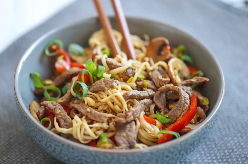 PCOS FRIENDLY QUICK BEEF CHOW MEIN
