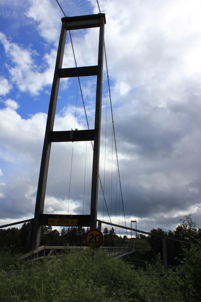 Hängbro i Tängsta, Resele
