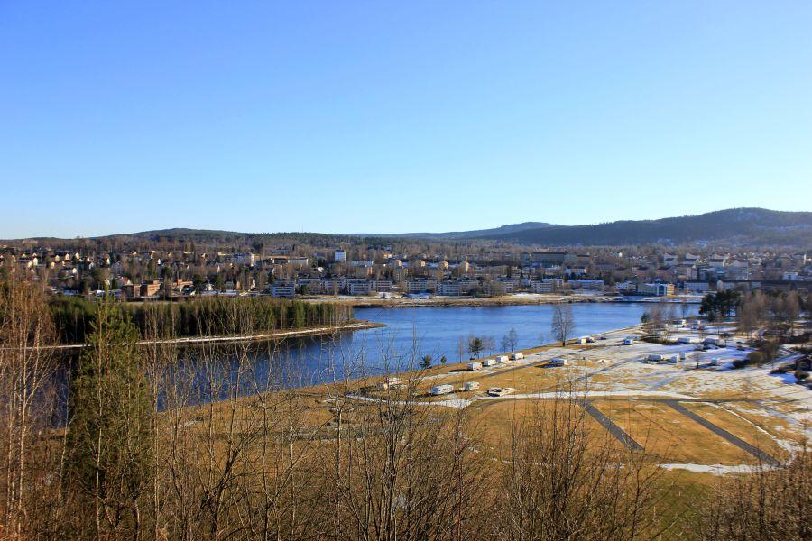 Utsikt från en nipkant i Sollefteå