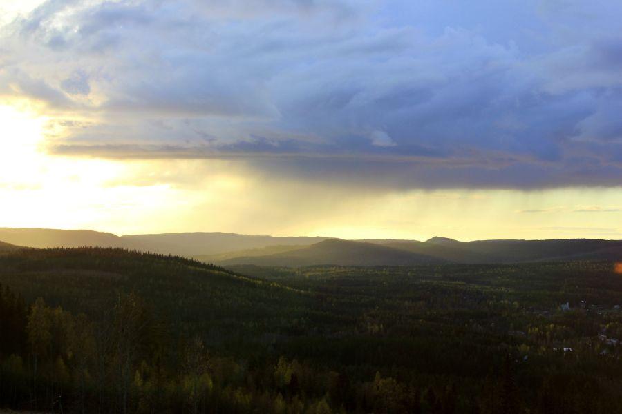 Regntunga skyar över Soulefteå