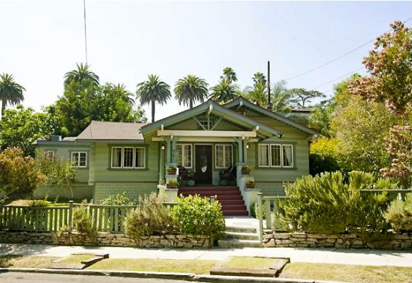 1913 Craftsman: 961 Sanborn Ave., Los Angeles, 90029