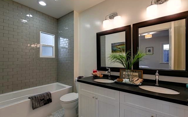 Bath with subway wall and dual sinks