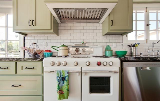 Vintage stove and subway backsplash