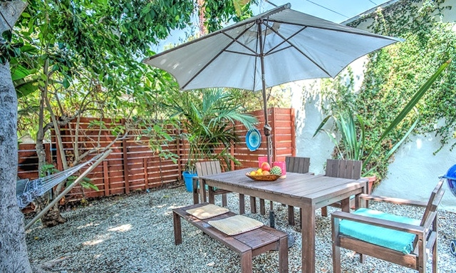 Yard. Courtesy of Deirdre Salomone – KW Los Feliz