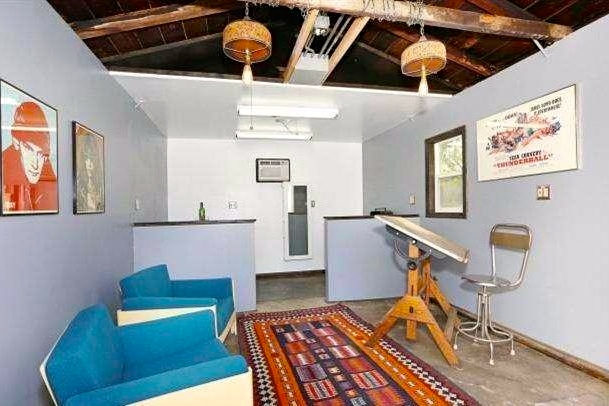 Detached studio. Courtesy of Joann Sweiven – Post & Beam Real Estate