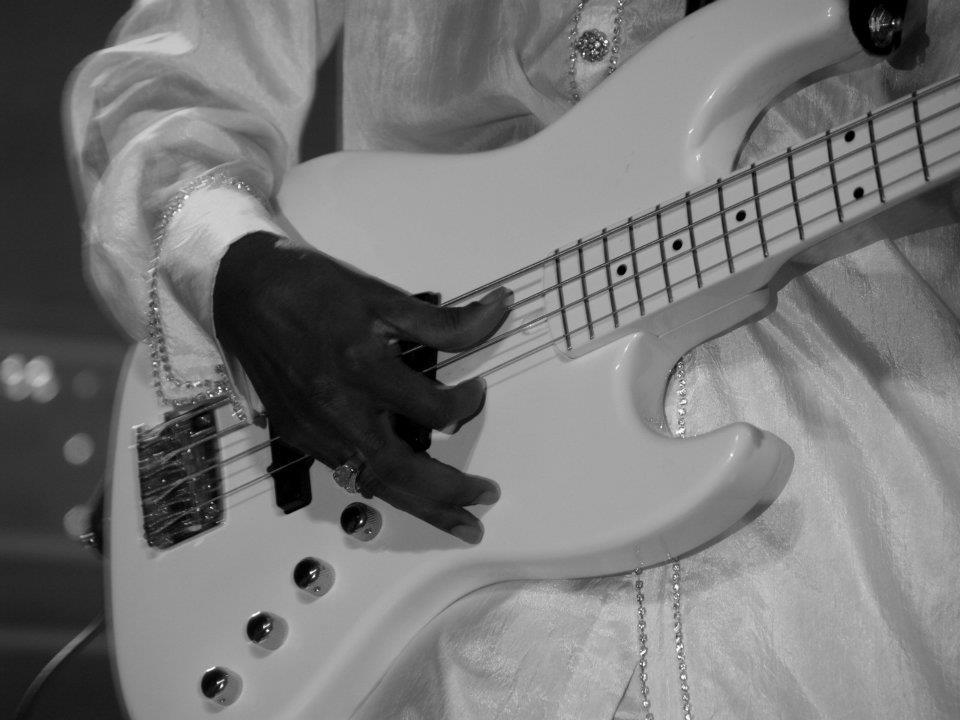 Larry Graham keeps the Funk alive !