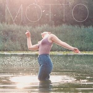 "ELIS NOA'S NEUES VIDEO ""MOTTO"""
