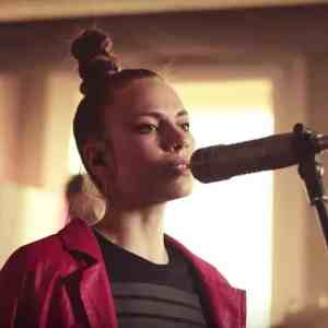 🎥 Leona Berlin - MAKE ME WANNA