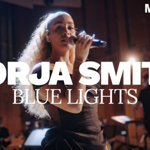 Jorja Smith – Blue Lights feat. WDR Funkhausorchester | Machiavelli Sessions | Video