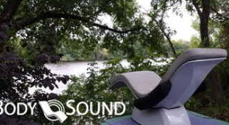 body sound chaise