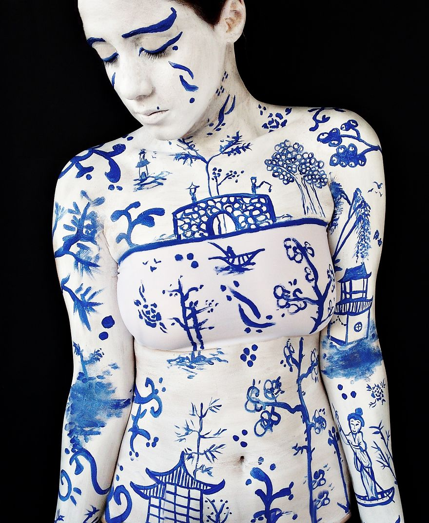 Brazilian-artist-makes-body-paint-herself4__880
