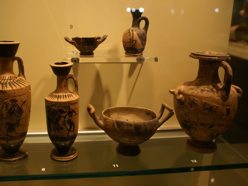 the-athens-airport-comes-with-its-own-mini-museum-which-showcases-archaeological-artifacts-created-as-early-as-the-byzantine-period