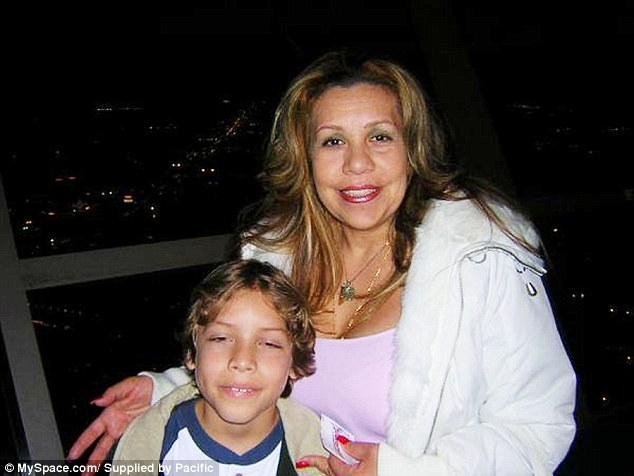 Няня с сыном от Арчи