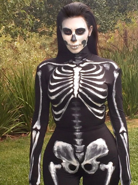 rs_634x850-141031164058-634kim-kardashian-skeleton