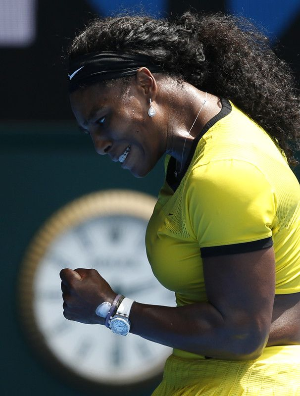 epa05126032 Serena Williams of the US reacts during her quarter finals match against Maria Sharapova of Russia at the Australian Open tennis tournament in Melbourne, Australia, 26 January 2016.  EPA/MAST IRHAM
