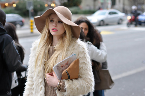 fashion-girl-pink-street-street-chic-Favim.com-320174