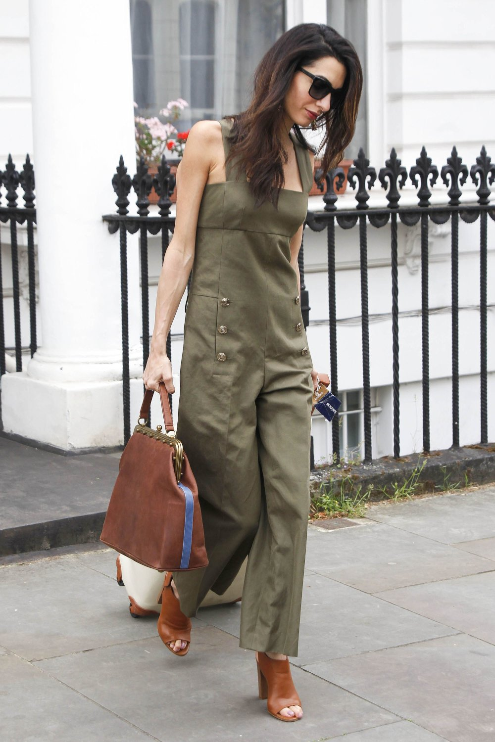 Casual-Friday-Tailored-Jumpsuit-Can-Layered-Over-Tee.jpg.pagespeed.ce.tijdJwDl38