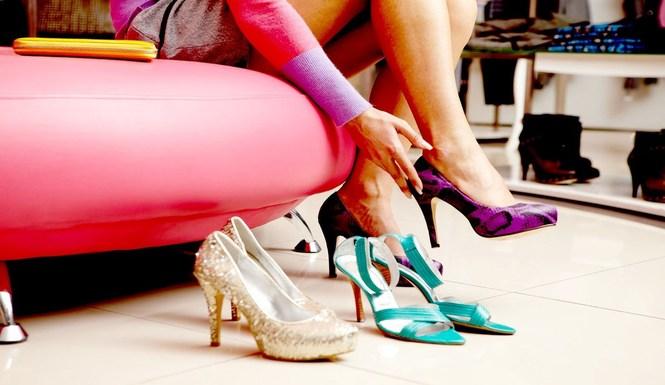 43-к-чему-снится-примерка-обуви