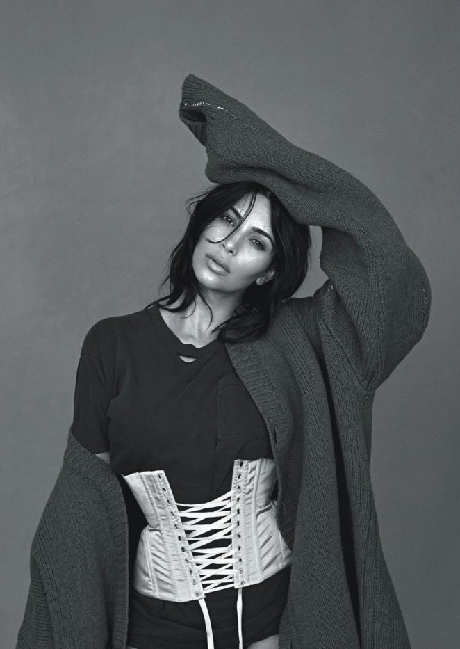 Kim-Kardashian--Vogue-Australia-2016--05-662x933