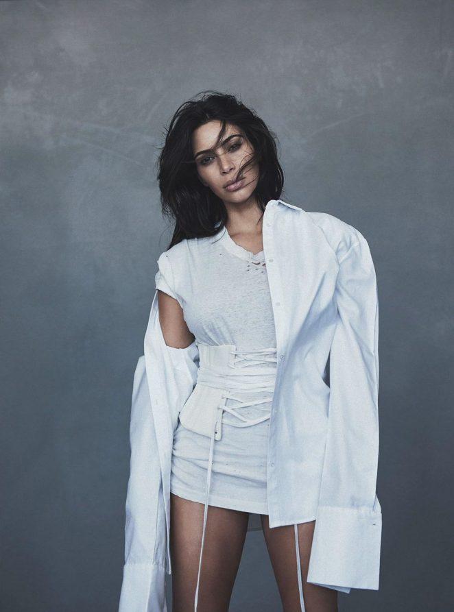 Kim-Kardashian--Vogue-Australia-2016--09-662x893