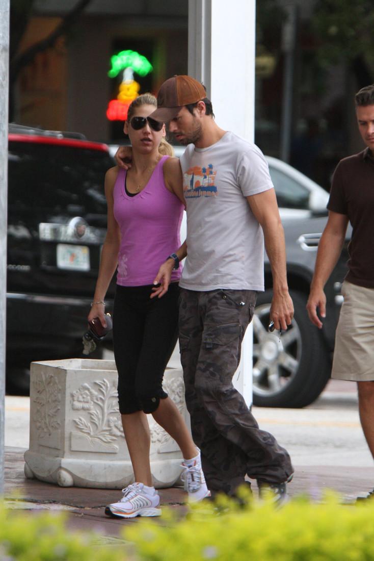 EXCLUSIVE: Anna Kournikova out and about with Enrique Iglesias in Miami, FL