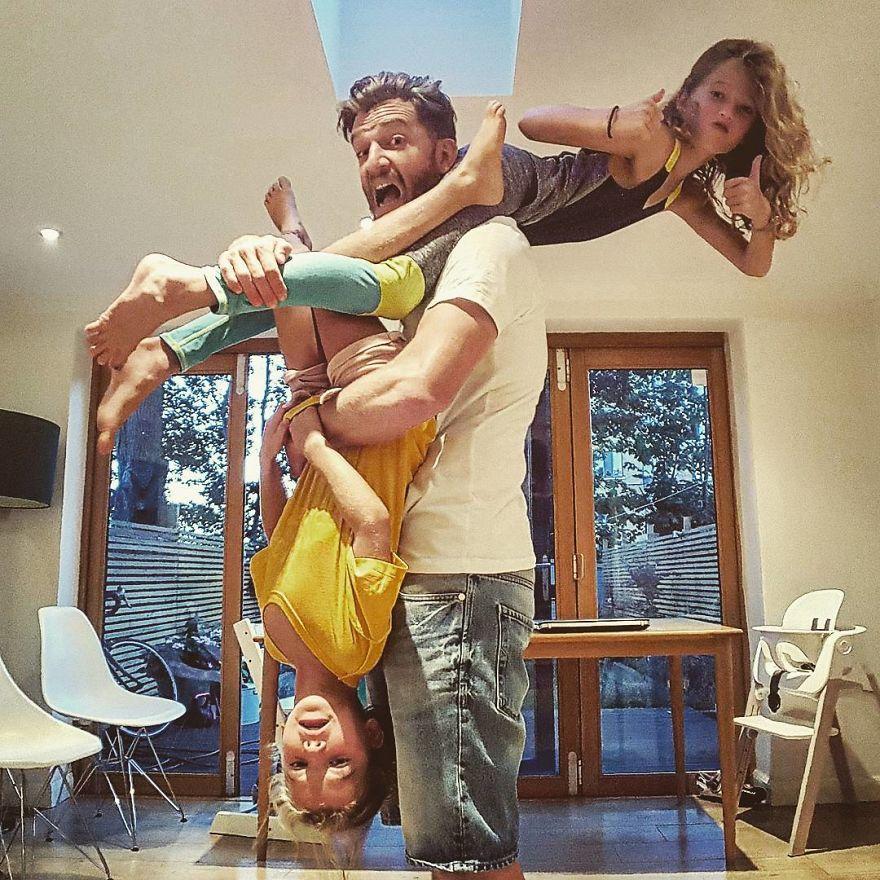 funny-parenting-reality-father-of-daughter-simon-hooper-5830a1e0a804e__880