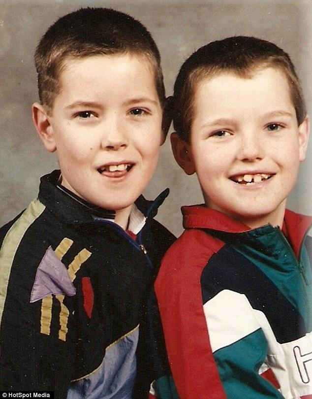 В детстве со старшим братом
