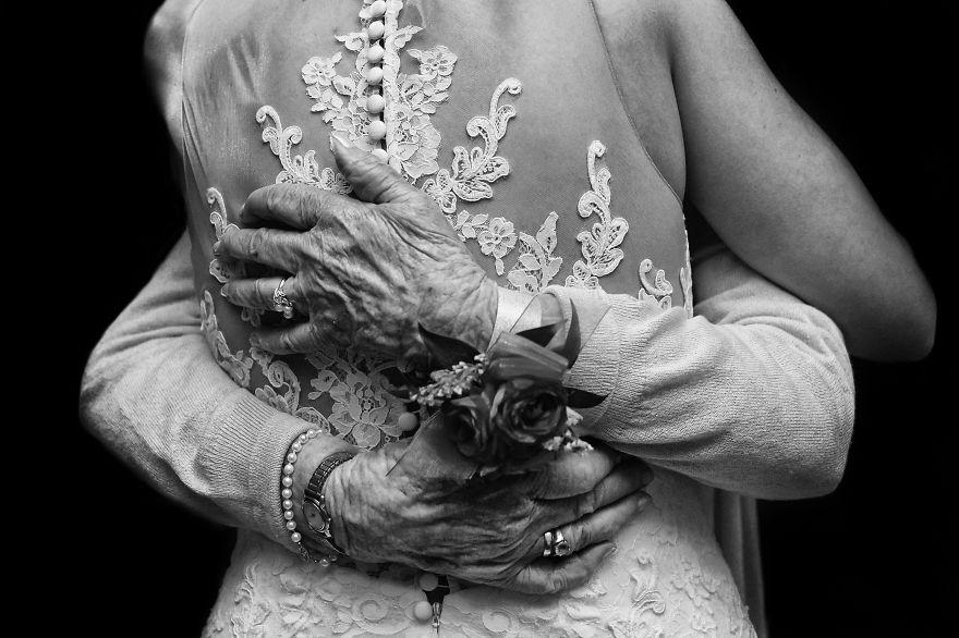 top-50-wedding-photos-of-2016-586bd368a30ef__880