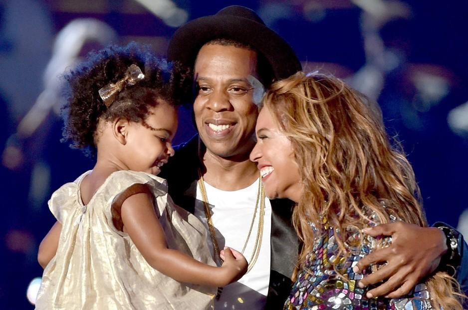 Beyonce-family-1-e1447250917156