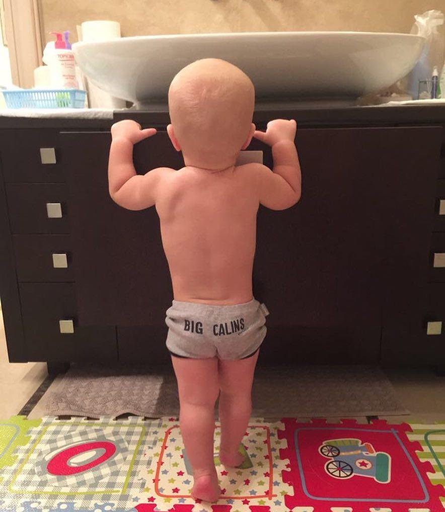 Ксения Собчак удивила фотографией мускулистого годовалого сына
