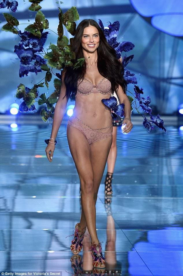 Супермодель ушла из Victoria's Secret из-за давления на женщин: «Это плохо для психики»