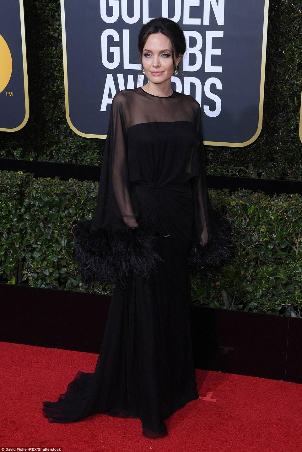Черный дресс-код не помешал звездам сиять на церемонии «Золотой глобус» — фото