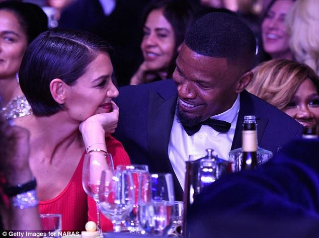 Кэти Холмс и Джейми Фокс не скрывали чувств на вечеринке Grammy Gala — фото