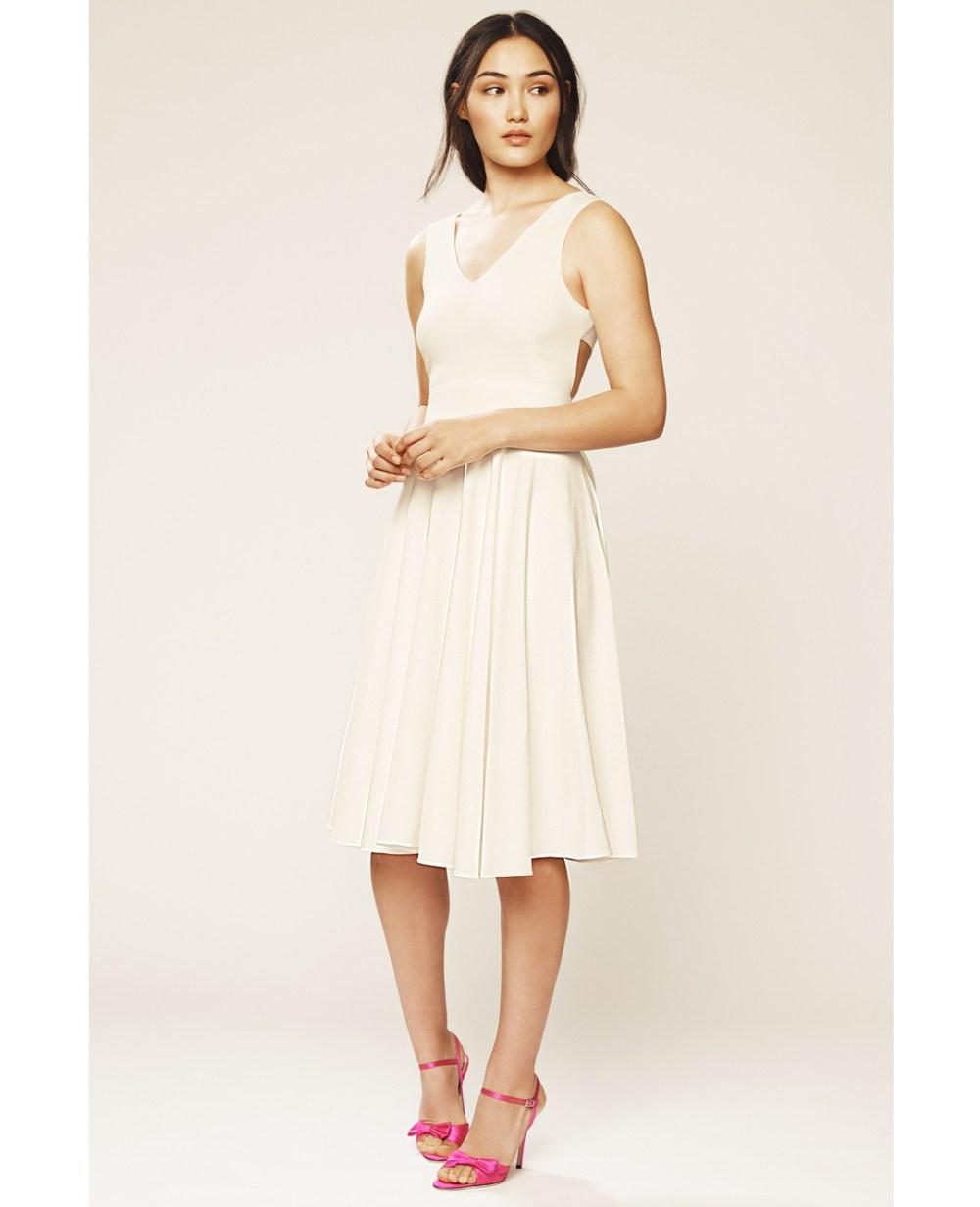 499ea017f236e33 Свадебные платья в стиле Кэрри Брэдшоу: первая коллекция Сары Джессики  Паркер
