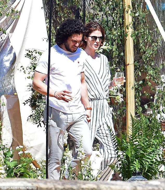 Кит Харингтон и Роуз Лесли на второй день своей свадьбы — фото