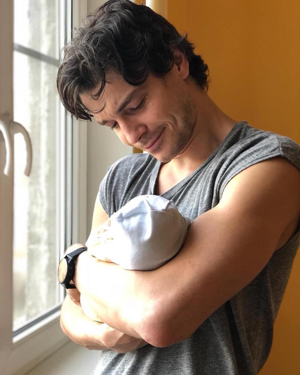 Боярская и Матвеев показали ФОТО новорожденного сына и назвали его имя