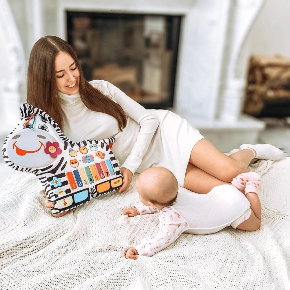 Костенко показала подросшую дочь Тарасова — фото