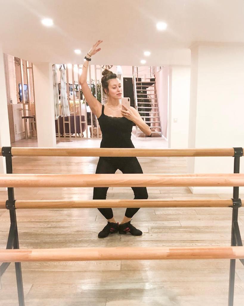 Регина Тодоренко после родов худеет на балете — фото