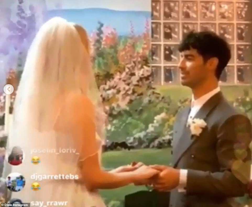 Сразу две неожиданных свадьбы: Софи Тернер и Джуда Лоу