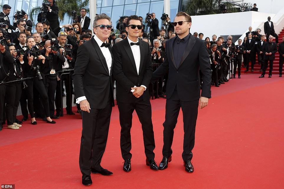 После Питта ДиКаприо привел на Каннский кинофестиваль еще одного красавчика — фото