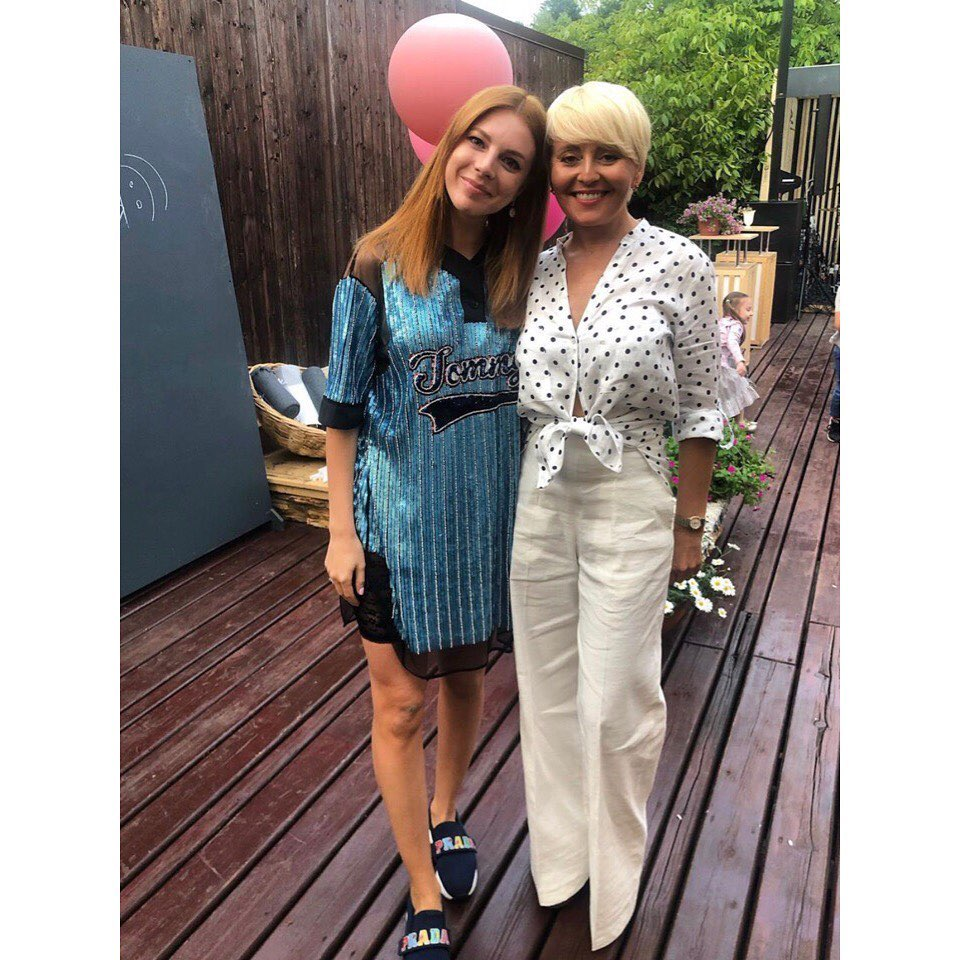 Анжелике Варум исполнилось 50 лет: как сейчас выглядит певица