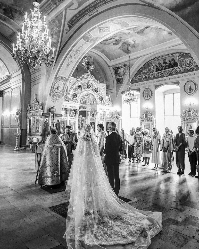 После венчания Собчак станцевала вызывающий танец монашки