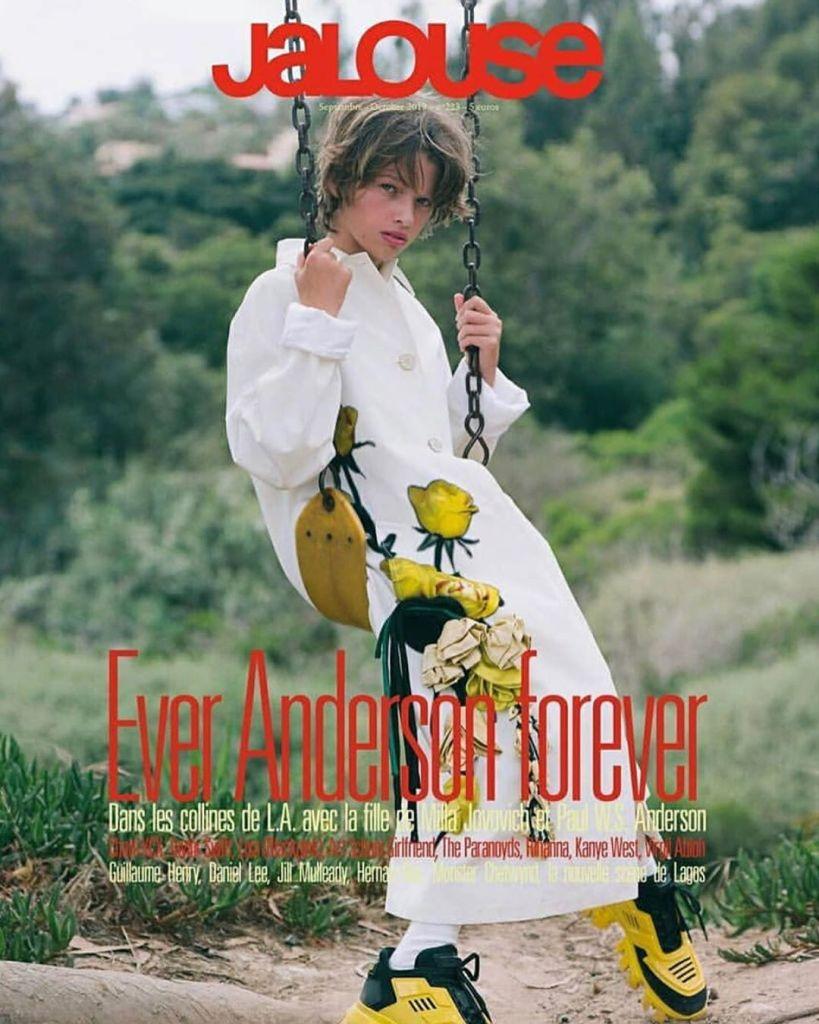 11-летняя дочь Милы Йовович появилась на обложке журнала — фото