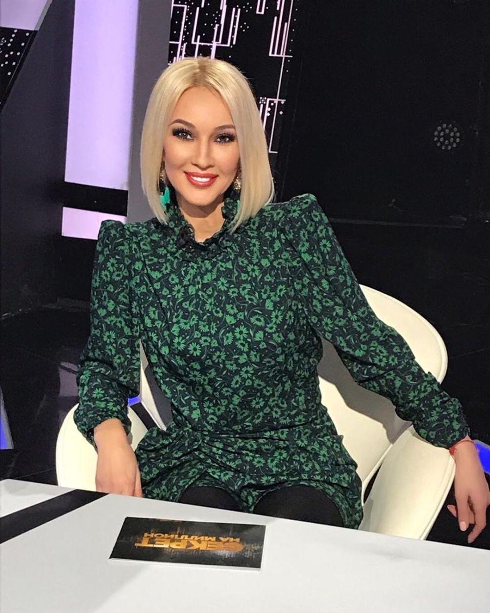 Лера Кудрявцева вернулась к работе после удаления грудных имплантов — фото