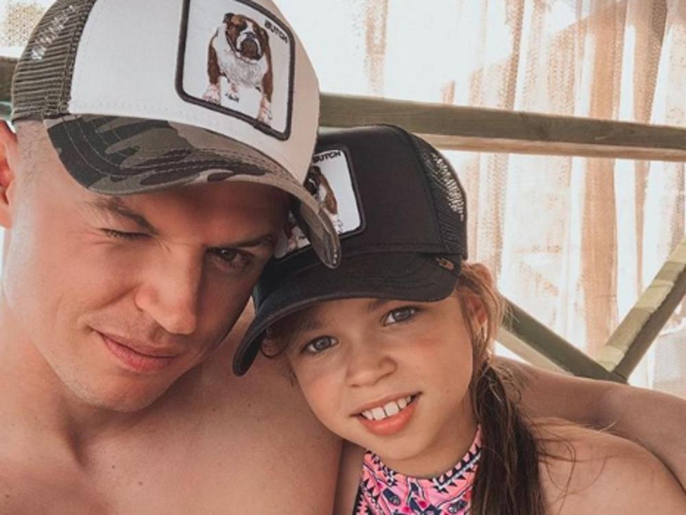 «Игнорирование двух дочек Насти закончено»: Дмитрий Тарасов добился уменьшения алиментов старшей дочке